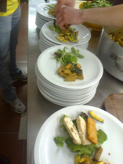 25052012   cena vegan e campagna contro la vivisezione 20120601 1976374777 - 25.05.2012 - CENA VEGAN E CAMPAGNA CONTRO LA VIVISEZIONE - 2012-