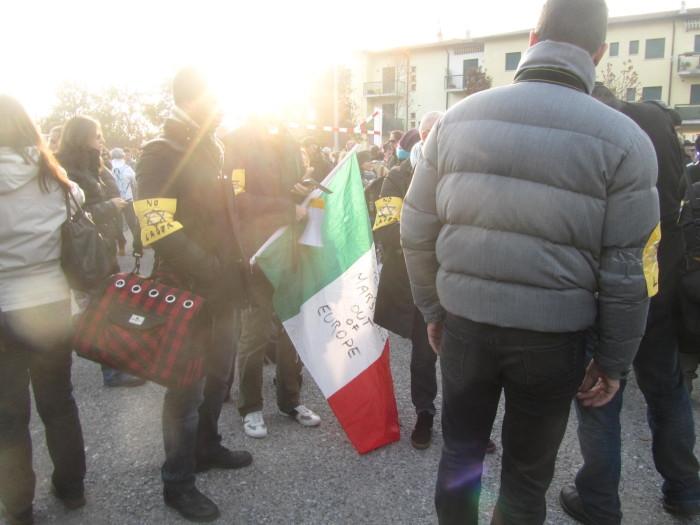 2 20111127 1945361956 - 19.11.11- MANIFESTAZIONE CONTRO IL LAGER