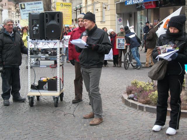 bolzano 04021012 20120205 1212550460 - Bolzano 04.02.2012 manifestazione contro lo sfruttamento degli animali