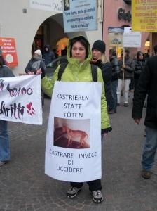 bolzano 04021012 20120205 1383093155 960x300 - Bolzano 04.02.2012 manifestazione contro lo sfruttamento degli animali