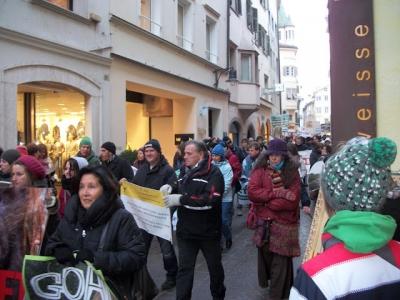 bolzano 04021012 20120205 1885940619 960x300 - Bolzano 04.02.2012 manifestazione contro lo sfruttamento degli animali