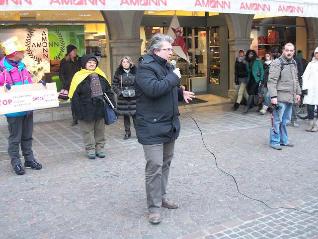 bolzano 04021012 20120205 1970687337 - Bolzano 04.02.2012 manifestazione contro lo sfruttamento degli animali