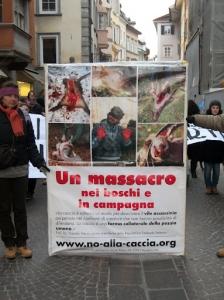 bolzano 04021012 20120205 2050320546 960x300 - Bolzano 04.02.2012 manifestazione contro lo sfruttamento degli animali