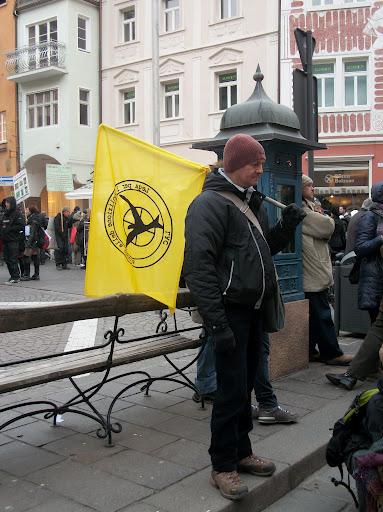 bolzano 0402 20130212 1343466161 - Bolzano 04.02.2012 manifestazione contro lo sfruttamento degli animali