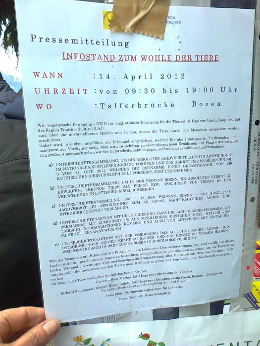 bolzano 14042012   tavolo informativo su caccia e alimentazione ve 20130212 1613624057 - 14.04.2012 - BOLZANO - TAVOLO INFORMATIVO CONTRO LA CACCIA E SULL'ALIMENTAZIONE VEGANA - 2012-