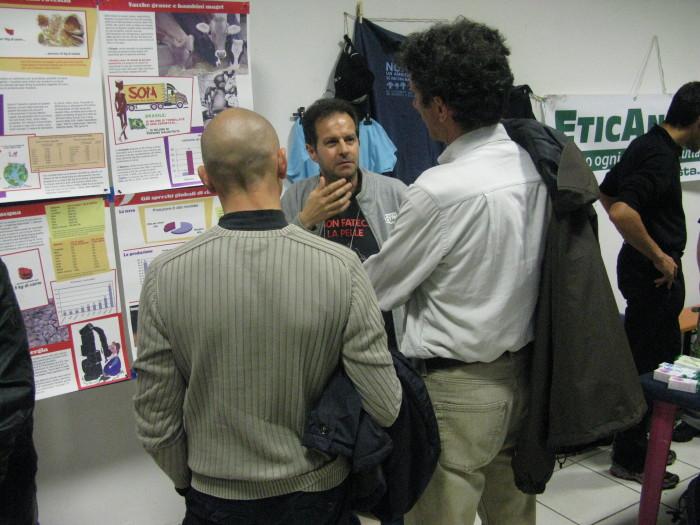 f la cosa giusta ottobre 2012 20121101 1513102599 - MOSTRA SUI MACELLI - FA LA COSA GIUSTA OTTOBRE 2012 - 2012-