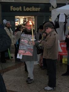 fiaccolata per gli animali 20111210 1657195152 960x300 - 03 dicembre 2011 Trento fiaccolata per denunciare lo sterminio degli animali nel periodo natalizio (e non solo!)