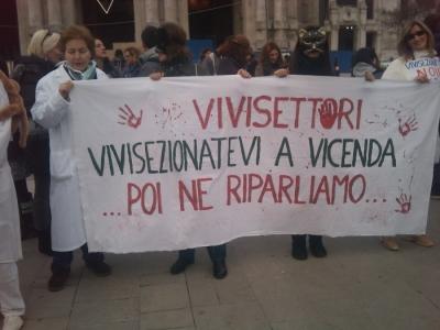 img 1682 20110306 1130187743 960x300 - MANIFESTAZIONE CONTRO LA VIVISEZIONE - MILANO 5 marzo 2011