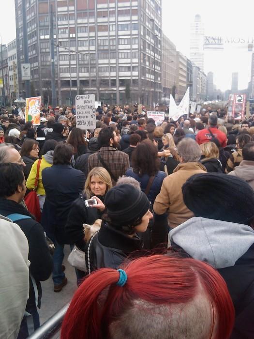 img 1690 20110306 1501067660 - MANIFESTAZIONE CONTRO LA VIVISEZIONE - MILANO 5 marzo 2011