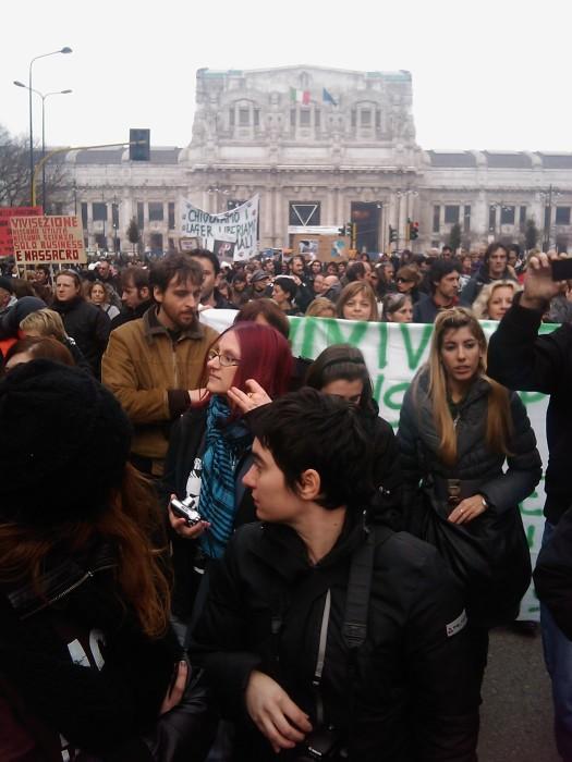 img 1696 20110306 2015853520 - MANIFESTAZIONE CONTRO LA VIVISEZIONE - MILANO 5 marzo 2011