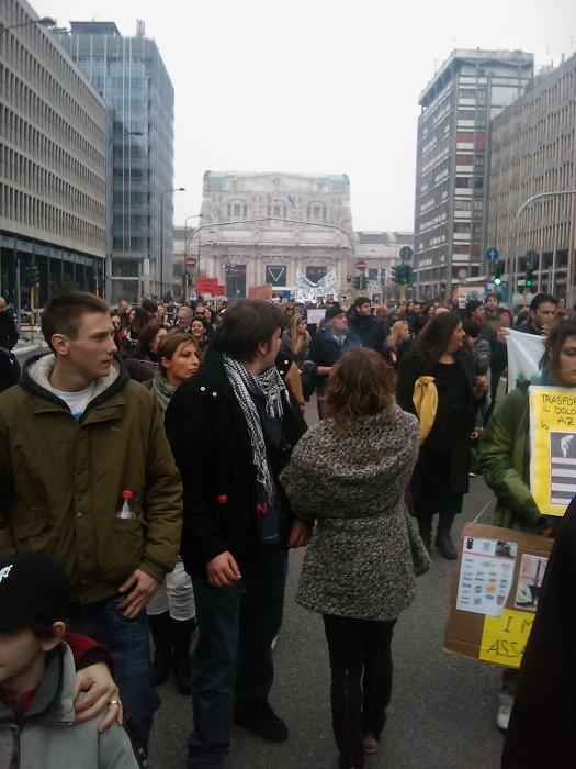 img 1698 20110306 1348128115 - MANIFESTAZIONE CONTRO LA VIVISEZIONE - MILANO 5 marzo 2011