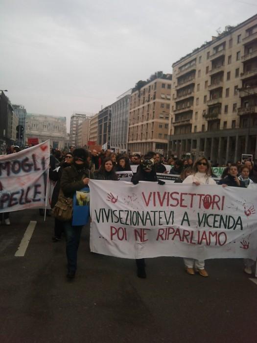 img 1703 20110306 1609413354 - MANIFESTAZIONE CONTRO LA VIVISEZIONE - MILANO 5 marzo 2011