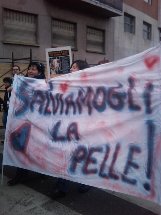 img 1708 20110306 1731066767 - MANIFESTAZIONE CONTRO LA VIVISEZIONE - MILANO 5 marzo 2011