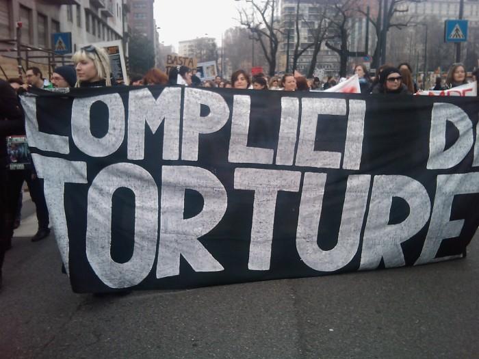 img 1709 20110306 1771062448 - MANIFESTAZIONE CONTRO LA VIVISEZIONE - MILANO 5 marzo 2011