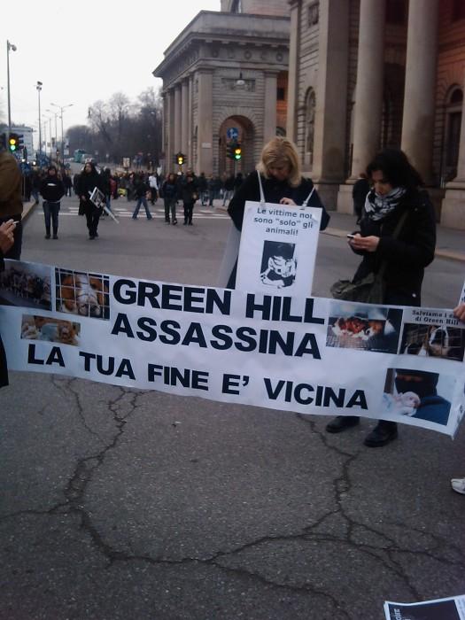 img 1715 20110306 1238985171 - MANIFESTAZIONE CONTRO LA VIVISEZIONE - MILANO 5 marzo 2011