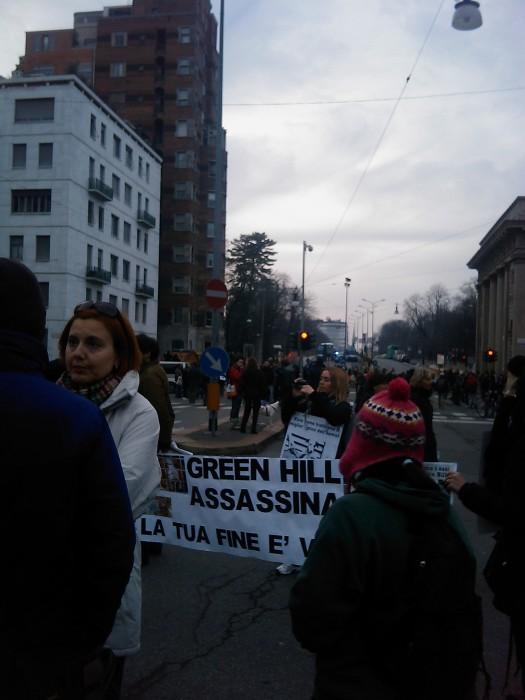 img 1716 20110306 1456232471 - MANIFESTAZIONE CONTRO LA VIVISEZIONE - MILANO 5 marzo 2011