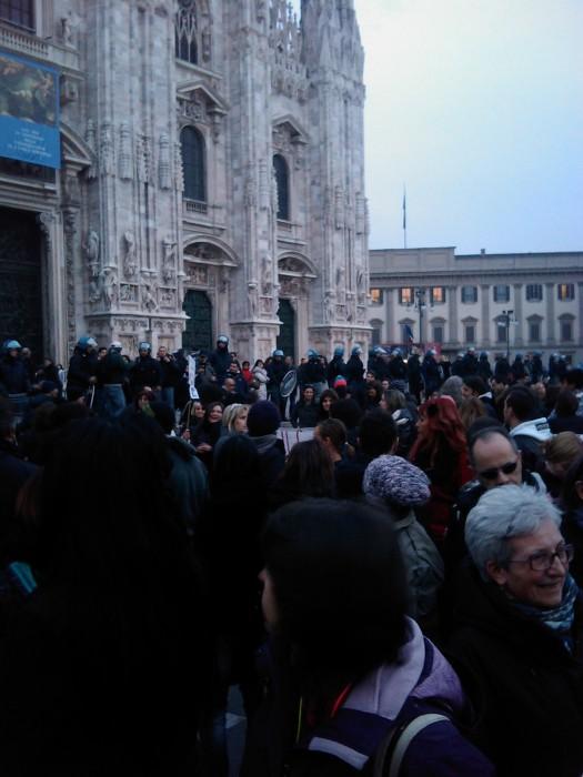 img 1722 20110306 1508527061 - MANIFESTAZIONE CONTRO LA VIVISEZIONE - MILANO 5 marzo 2011
