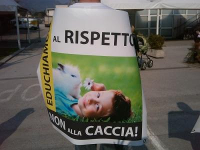 img 1785 20110327 1532920498 960x300 - Riva del Garda 26.03 - Sit-in contro la fiera della caccia e della pesca