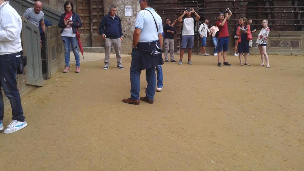 immagini e video 2015 458 - Manifestazione contro il Palio di Siena - 16.08.2015