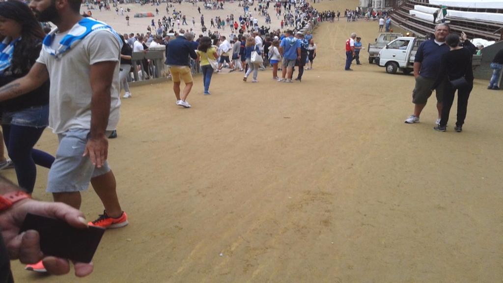 immagini e video 2015 459 - Manifestazione contro il Palio di Siena - 16.08.2015