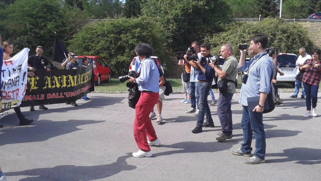 immagini e video 2015 466 - Manifestazione contro il Palio di Siena - 16.08.2015