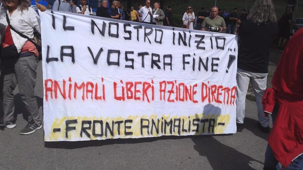 immagini e video 2015 474 - Manifestazione contro il Palio di Siena - 16.08.2015