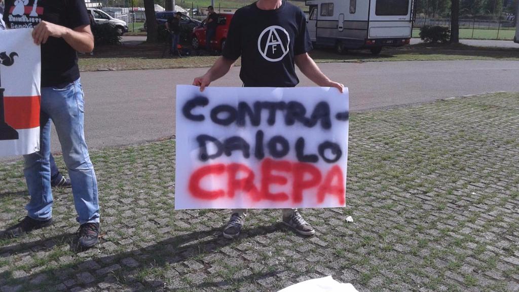 immagini e video 2015 482 - Manifestazione contro il Palio di Siena - 16.08.2015