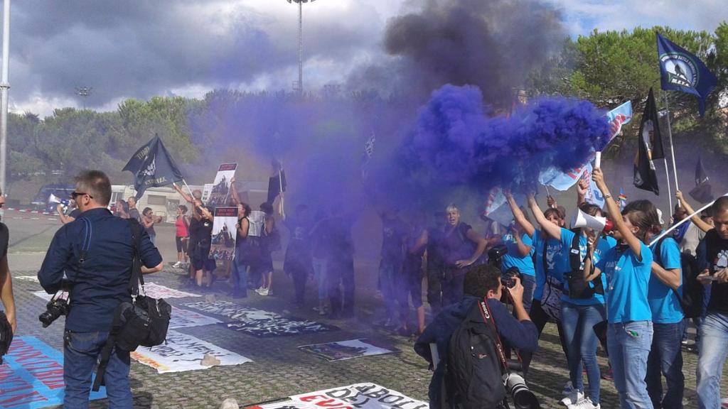immagini e video 2015 488 - Manifestazione contro il Palio di Siena - 16.08.2015