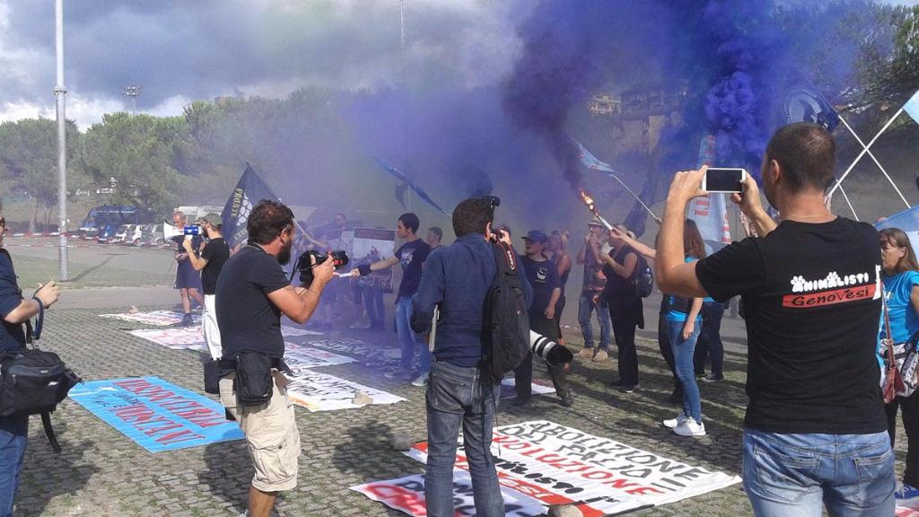 immagini e video 2015 490 - Manifestazione contro il Palio di Siena - 16.08.2015