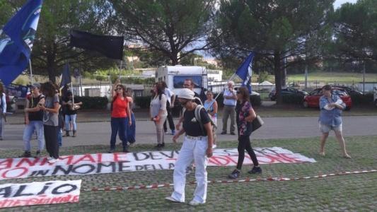 immagini e video 2015 492 1024x576 960x300 - Manifestazione contro il Palio di Siena - 16.08.2015