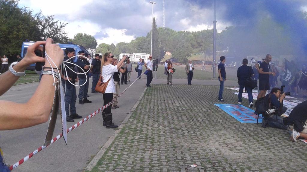immagini e video 2015 493 - Manifestazione contro il Palio di Siena - 16.08.2015