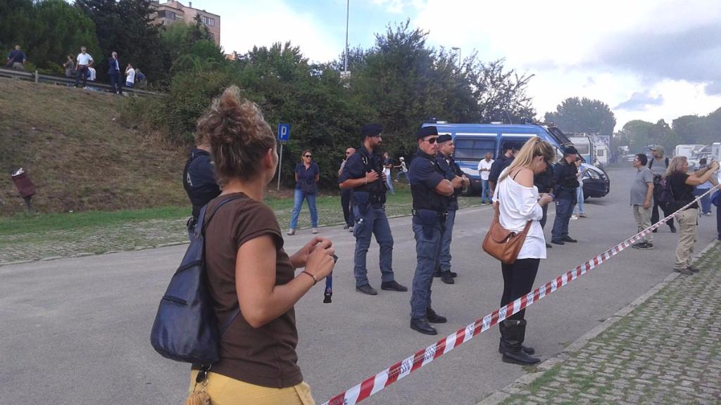 immagini e video 2015 495 - Manifestazione contro il Palio di Siena - 16.08.2015