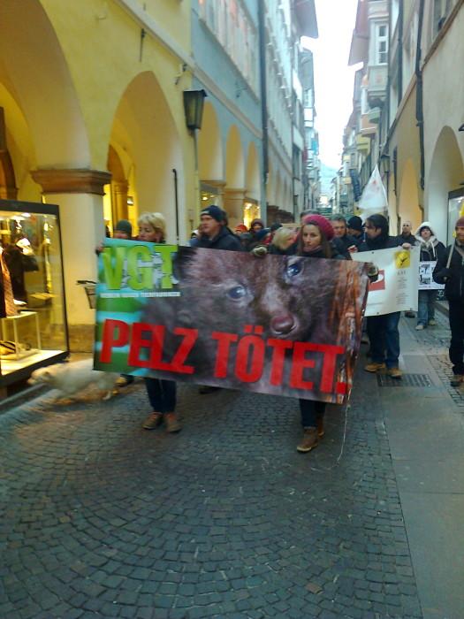 manifestazione contro lo sfruttamento degli anim 20130212 1464011866 - Bolzano 04.02.2012 manifestazione contro lo sfruttamento degli animali