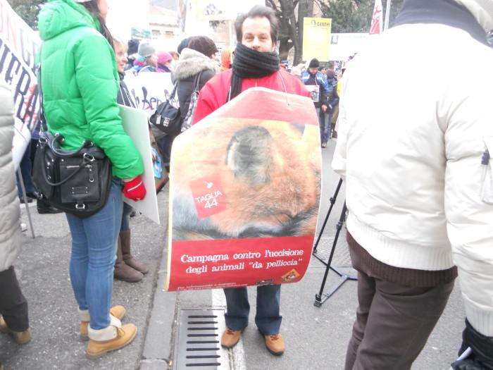 manifestazione contro lo sfruttamento degli animali 20120205 1044545398 - Bolzano 04.02.2012 manifestazione contro lo sfruttamento degli animali - 2012-