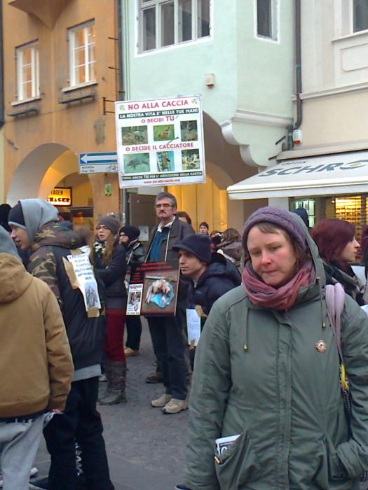 manifestazione contro lo sfruttamento degli animali 20120205 1295040690 - Bolzano 04.02.2012 manifestazione contro lo sfruttamento degli animali - 2012-