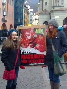 manifestazione contro lo sfruttamento degli animali 20120205 1358067831 960x300 - Bolzano 04.02.2012 manifestazione contro lo sfruttamento degli animali