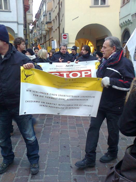 manifestazione contro lo sfruttamento degli animali 20120205 1376389854 - Bolzano 04.02.2012 manifestazione contro lo sfruttamento degli animali - 2012-