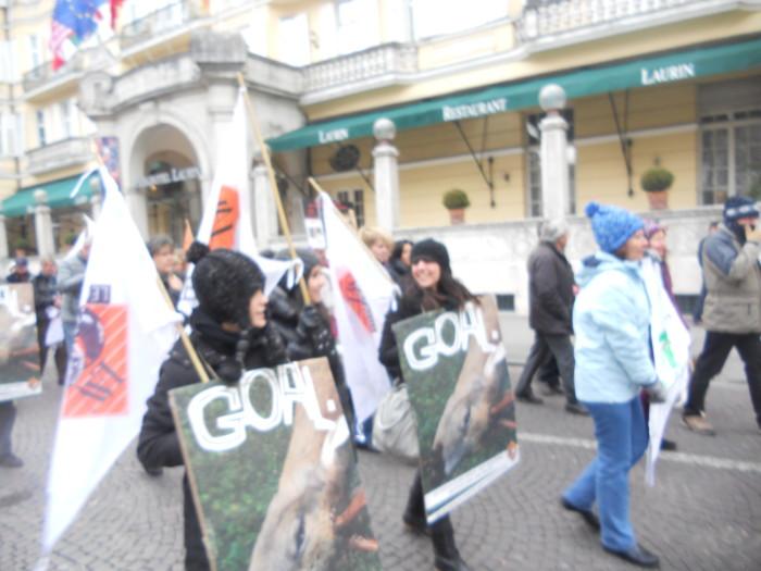 manifestazione contro lo sfruttamento degli animali 20120205 1466975025 - Bolzano 04.02.2012 manifestazione contro lo sfruttamento degli animali - 2012-
