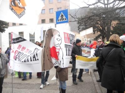 manifestazione contro lo sfruttamento degli animali 20120205 1708884763 960x300 - Bolzano 04.02.2012 manifestazione contro lo sfruttamento degli animali