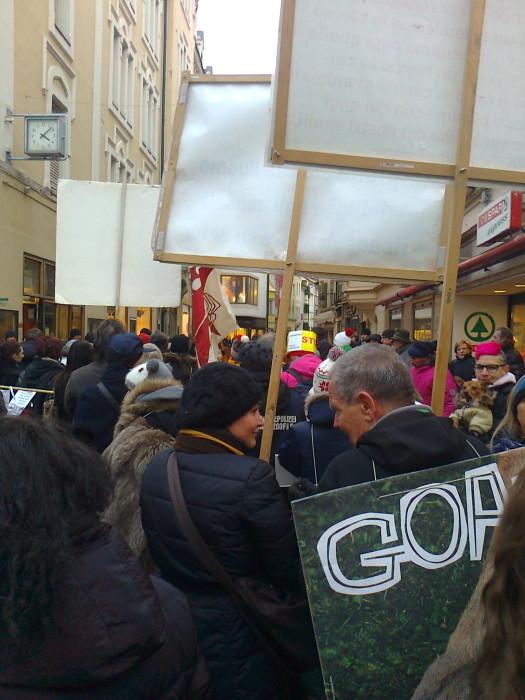 manifestazione contro lo sfruttamento degli animali 20120205 1917437933 - Bolzano 04.02.2012 manifestazione contro lo sfruttamento degli animali