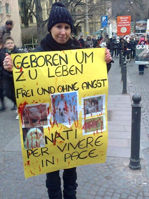 manifestazione contro lo sfruttamento degli animali 20120205 1946105726 - Bolzano 04.02.2012 manifestazione contro lo sfruttamento degli animali - 2012-
