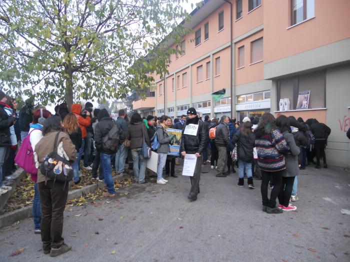 montichiari bs   19112011 20111120 1382926216 - 19.11.11- MANIFESTAZIONE CONTRO IL LAGER
