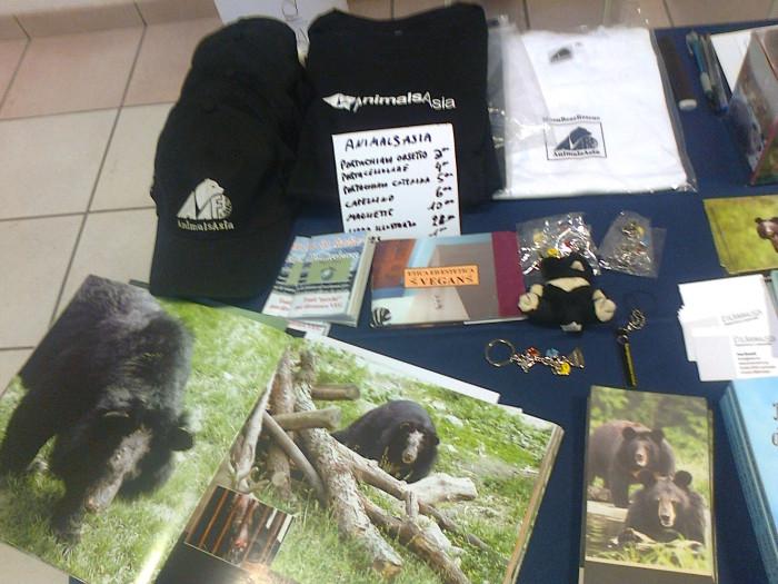 mostra animalista sui macelli 20111101 1580417200 - FA' LA COSA GIUSTA 2011 - MOSTRA ANIMALISTA