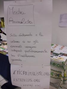 mostra animalista sui macelli 20111101 2076363530 960x300 - FA' LA COSA GIUSTA 2011 - MOSTRA ANIMALISTA
