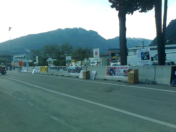 presidio caccia e pesca 20120331 1564199681 - Presidio alla Fiera Caccia e Pesca di Riva del Garda 31.03.2012 - 2012-