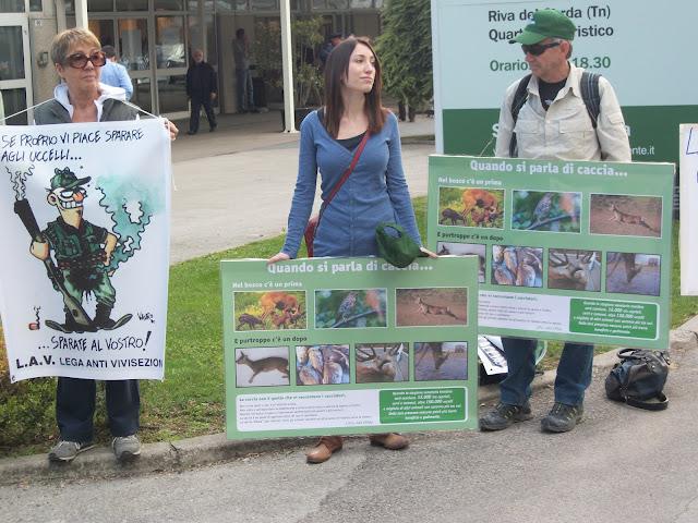 presidio fiera caccia e pesca a riva d garda 20120401 1404243402 - Presidio alla Fiera Caccia e Pesca di Riva del Garda 31.03.2012 - 2012-