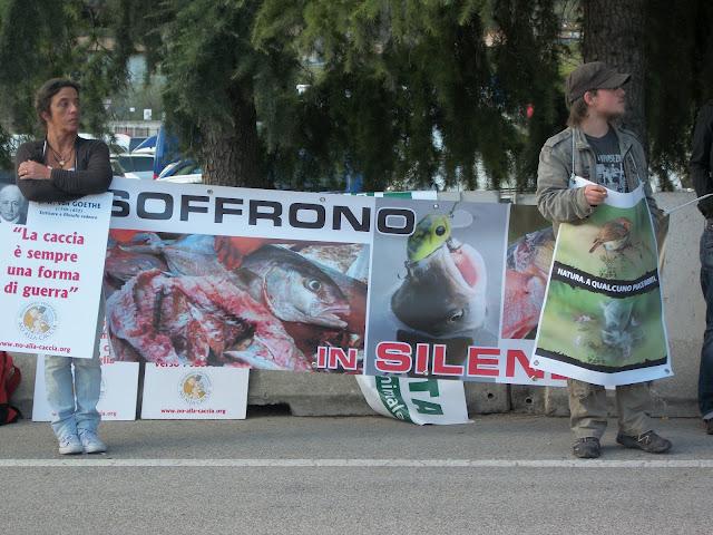presidio fiera caccia e pesca a riva d garda 20120401 1660898351 - Presidio alla Fiera Caccia e Pesca di Riva del Garda 31.03.2012 - 2012-