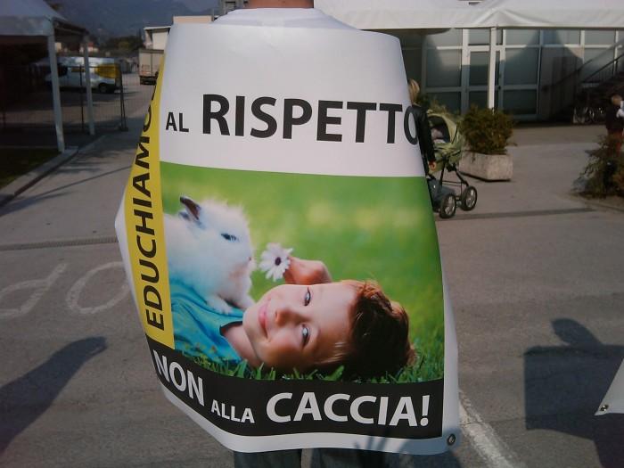 sit in animalista   fiera caccia e p 20130212 1269362389 - Riva del Garda 26.03 - Sit-in contro la fiera della caccia e della pesca