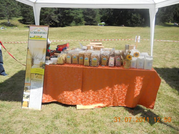 tavoli animal 20130212 1015296712 - FESTA DELLE ASSOCIAZIONI - LOC. 7 LARICI - COREDO (TN) - 31.07.2011