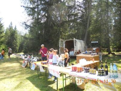 tavoli animal 20130212 1071715493 960x300 - FESTA DELLE ASSOCIAZIONI - LOC. 7 LARICI - COREDO (TN) - 31.07.2011